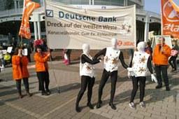 Deutsche Bank: Attac fordert Rückzahlung der Cum-Ex-Milliarden.