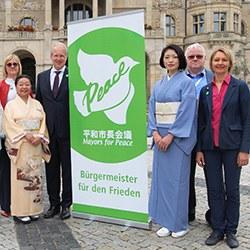 """Flaggentag der """"Bürgermeister für den Frieden"""""""