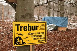 Solidarität mit der Waldbesetzung im Treburer Oberwald!